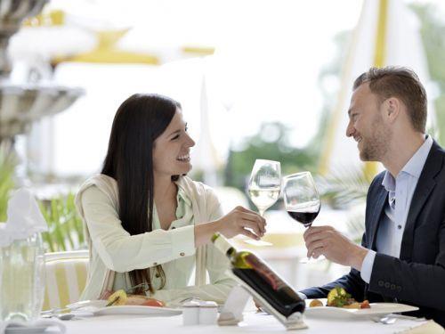 Chatte und date in sterreich | Lerne Leute kennen & finde