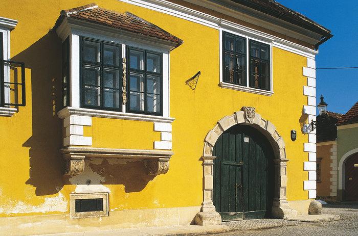 Bildergalerie in Neusiedl am See - Thema auf bubble-sheet.com